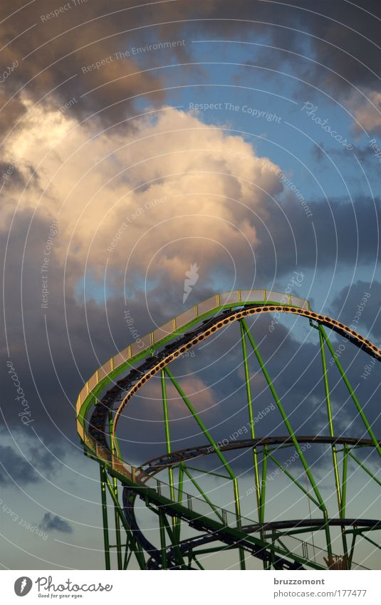 Joy Metal Fear Leisure and hobbies Trip Dangerous Threat Driving To fall Scream Fairs & Carnivals Dramatic Storm clouds Roller coaster