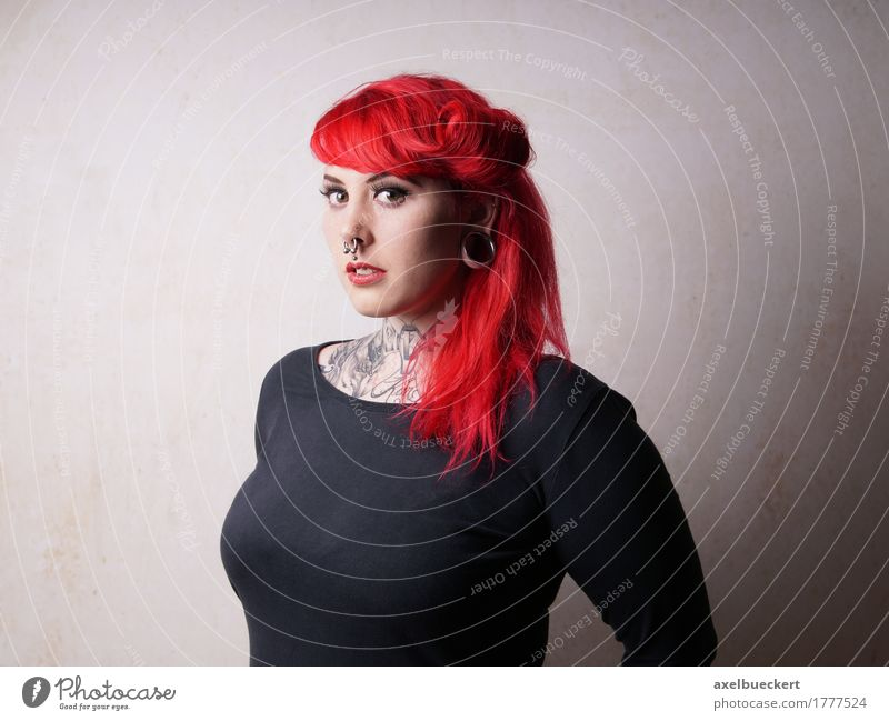 young woman with piercings and tattoos Lifestyle Human being Feminine Young woman Youth (Young adults) Woman Adults 1 18 - 30 years Youth culture Subculture