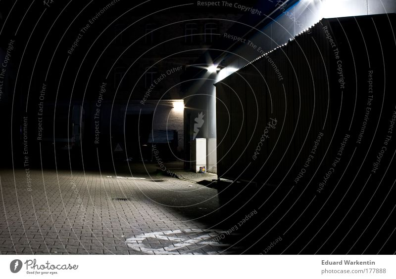 night empty 01 Deserted Architecture Petrol station Wall (barrier) Wall (building) Cold Empty Dark Backyard Parking lot Artificial light Colour photo