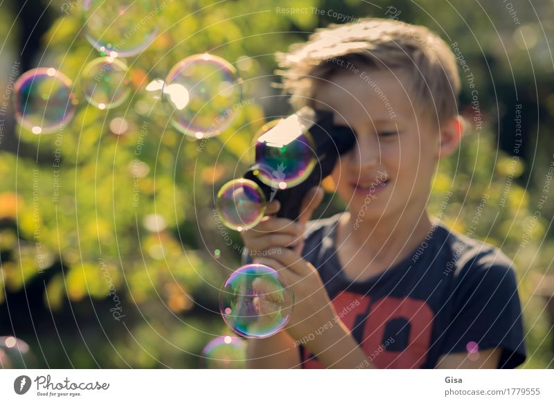 8ung Summer movie! - Super Sequence 1 Human being Masculine Child Boy (child) Infancy 8 - 13 years Film industry Video Beautiful weather Tree Garden Soap bubble