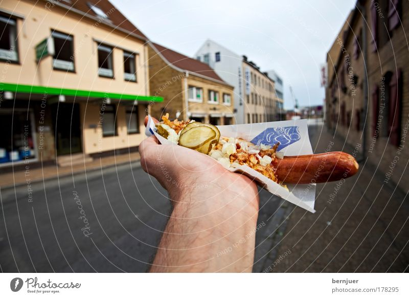 Hand Nutrition Food Fingers Paper Kitchen To hold on Delicious Meat Vegetable Sausage Fast food Herbs and spices Bratwurst Denmark Sense of taste
