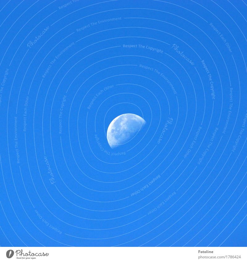 Sky Blue White Bright Cloudless sky Moon Moonlight Lunar landscape Moonrise Decreasing
