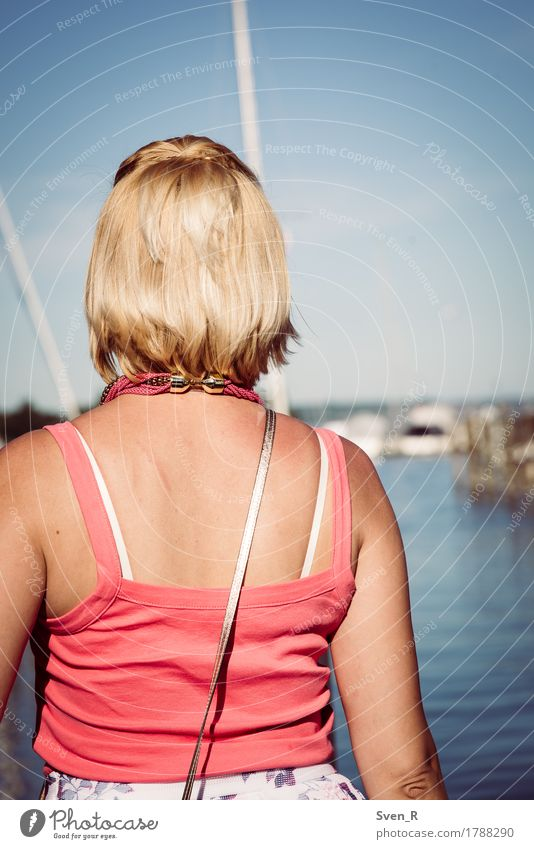 vieW Human being Feminine Young woman Youth (Young adults) Woman Adults 1 30 - 45 years Water Sun Summer Lakeside Blonde Infinity Calm Far-off places