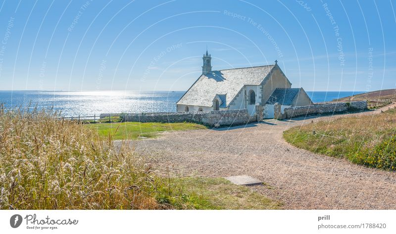 Chapel Saint-They Ocean Culture Landscape Plant Water Rock Coast Wall (barrier) Wall (building) Landmark Lanes & trails Stone Old Religion and faith saint-they