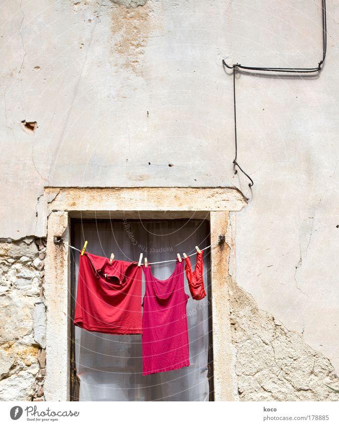 Red Summer Window Clothing Arrangement T-shirt Hang Underwear Old town