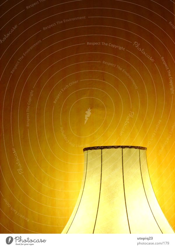 Wall (barrier) Warmth Physics Living or residing Wallpaper Living room Striped Lamp Lampshade Standard lamp