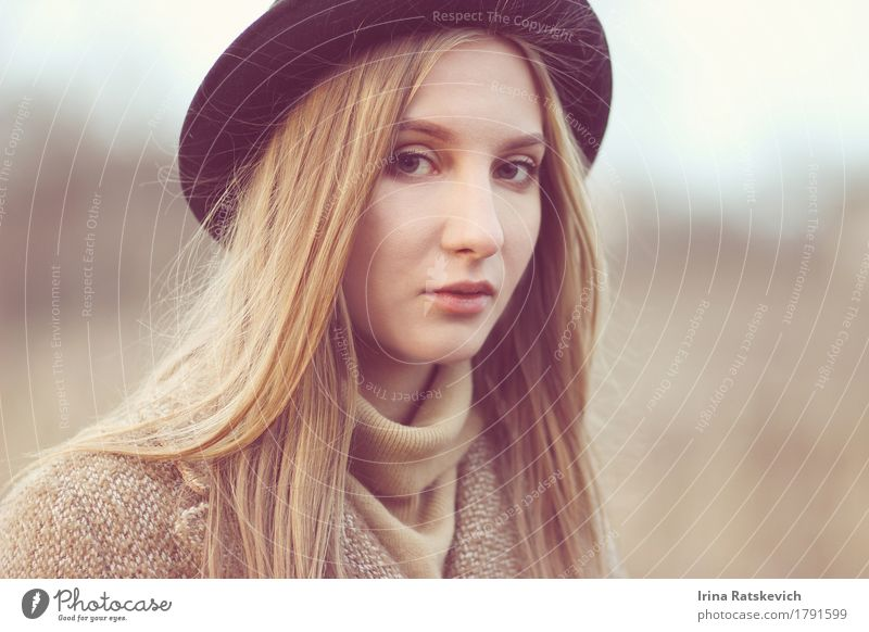 autumn portrait Young woman Youth (Young adults) Woman Adults Hair and hairstyles Face 1 Human being 18 - 30 years Fashion Clothing Sweater Coat Hat Blonde Thin