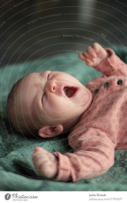 Good morning Feminine Baby 1 Human being 0 - 12 months Lie Fatigue Movement Infancy Yawn Stretching Pink Green Blanket Colour photo Interior shot Day