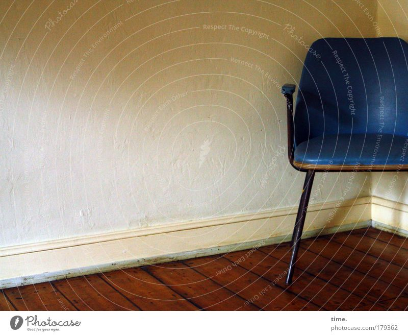 breather station for old bags Chair Room Corner of the room Baseboard heel Light Shadow Wallpaper Wooden floor Backrest round seat Blue Armchair Plastic Felt