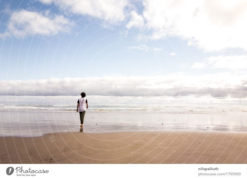 Waipoua Beach Vacation & Travel Trip Adventure Far-off places Freedom Summer Summer vacation Ocean Waves Masculine Young man Youth (Young adults) 1 Human being