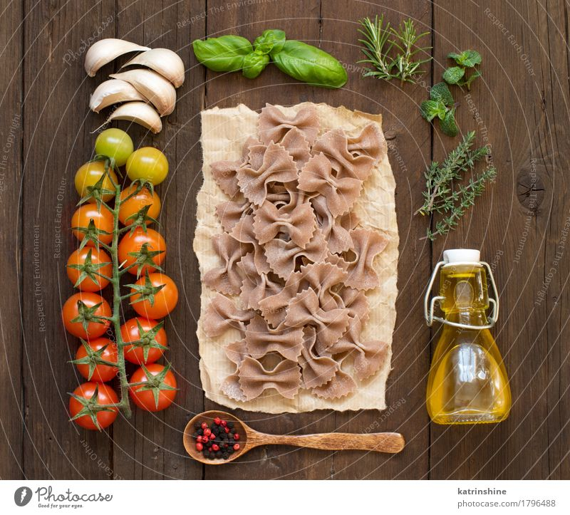 Whole wheat pasta, vegetables, herbs and olive oil Green Red Dark Healthy Brown Fresh Herbs and spices Vegetable Baked goods Bottle Meal Vegetarian diet Diet