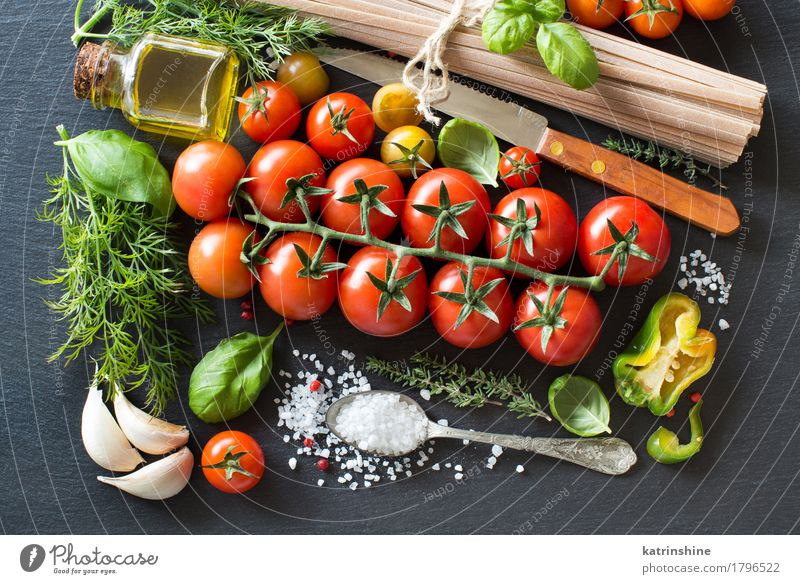 Italian cooking ingridient Green Red Dark Healthy Bright Fresh Herbs and spices Vegetable Baked goods Bottle Meal Vegetarian diet Diet Tomato Dough Spoon