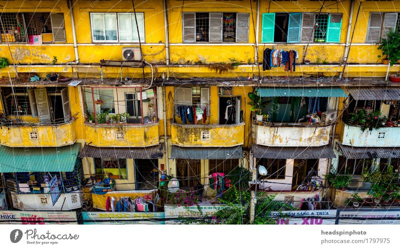 Vacation & Travel City House (Residential Structure) Yellow Building Facade Tourism City life Flat (apartment) Living or residing Dirty Authentic Adventure