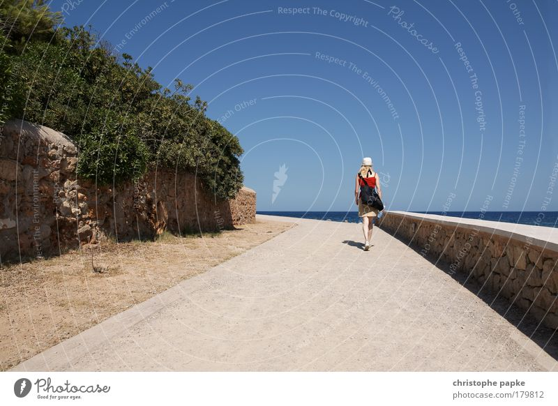 Human being Vacation & Travel Ocean Adults Far-off places Feminine Lanes & trails Going Trip Hiking Tourism To go for a walk 18 - 30 years Hot Hat Bag