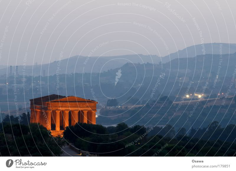 Valley of Temples 04 Ruin Ancient Manmade structures Building Architecture Greece Destruction Column Italy Sicily Agrigento Valley of the temple Twilight