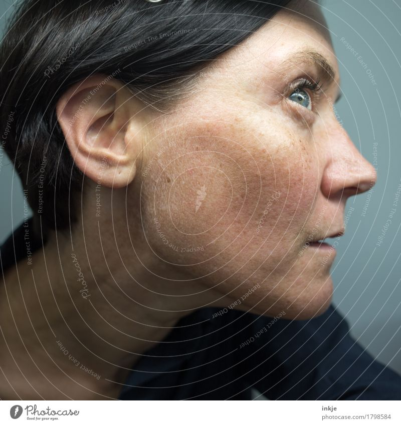 Close-up of a woman's face Woman Adults Life Face Ear 1 Human being 30 - 45 years Listening Looking Emotions Attentive Watchfulness Conscientiously Curiosity