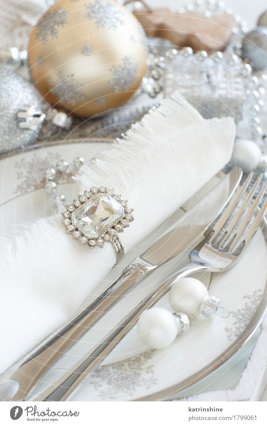Silver and cream Christmas Table Setting Eating Dinner Plate Cutlery Knives Fork Decoration Ornament Feasts & Celebrations Exceptional Gray White bauble pastel