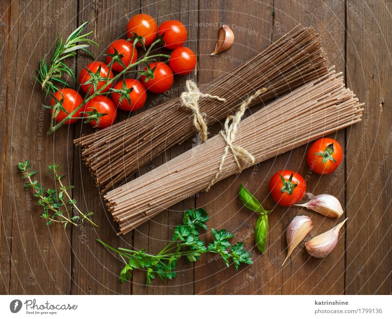 Artisan italian spaghetti, tomatoes and herbs Green Red Brown Nutrition Table Herbs and spices Vegetable Baked goods Tomato Dough Raw Ingredients Rustic Cooking