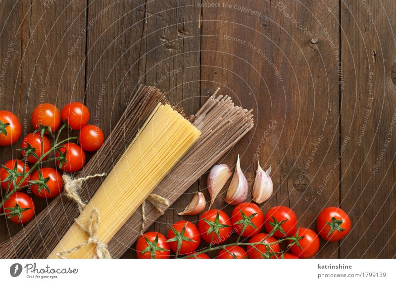 Three types of spaghetti, tomatoes and garlic Red Brown Nutrition Table Vegetable Baked goods Tomato Dough Raw Ingredients Rustic Cooking Italian Italian Food