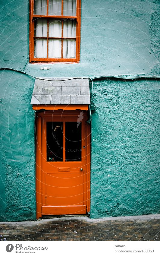 Old Green Red House (Residential Structure) Colour Wall (building) Window Wall (barrier) Building Architecture Flat (apartment) Small Door Facade Retro