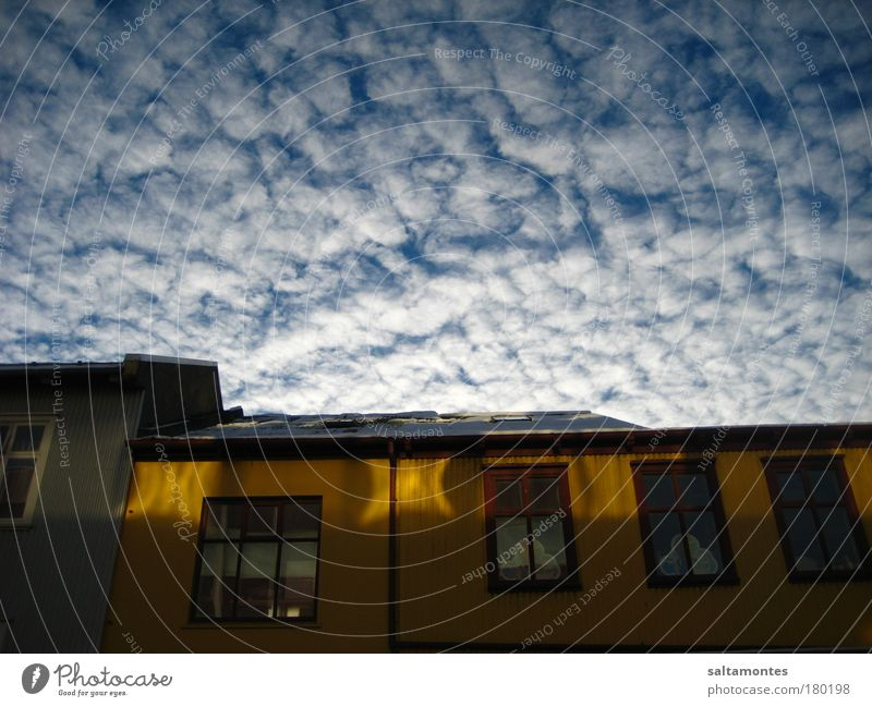 Sky Beautiful Clouds House (Residential Structure) Window Movement Moody Above Fantastic Warm-heartedness Beautiful weather Roof Infinity Ease Caution Variable