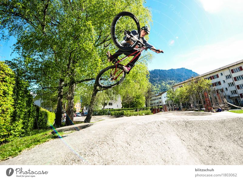 Man City Joy Adults Life Movement Lifestyle Sports Style Flying Tourism Jump Masculine Leisure and hobbies Contentment Bicycle