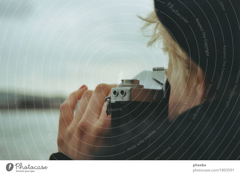 Woman Hand Ocean Girl Winter Gray Hair and hairstyles Lake Blonde Fingers River Camera Cap Analog Shoulder