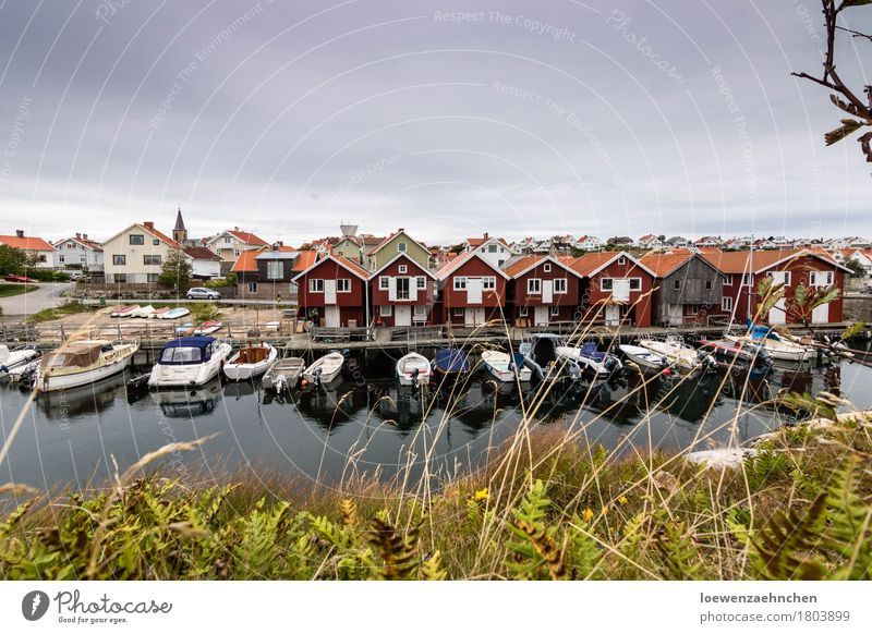 Vacation & Travel Water Clouds House (Residential Structure) Far-off places Tourism Harbour Village Fishing (Angle) Town Maritime Populated Boating trip Motorboat