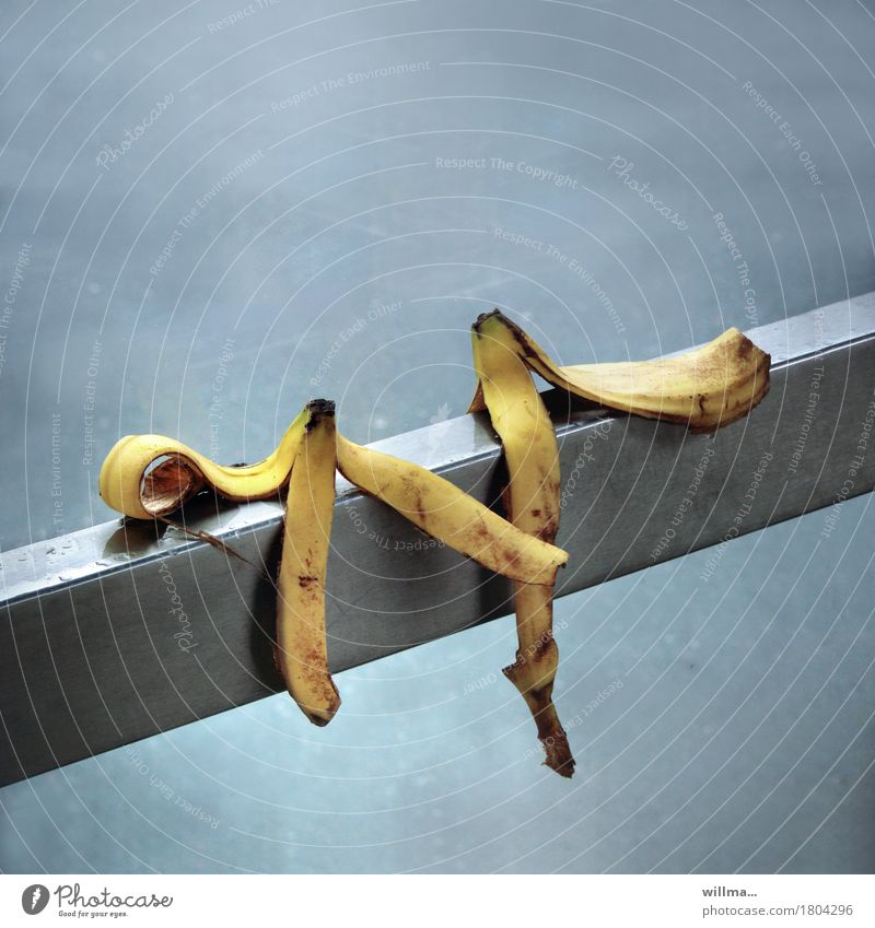 Blind date of banana peel blind date Banana skin Handrail Couple Relationship Business partnership Contact Sustainability Whimsical Trust Irritation Attachment