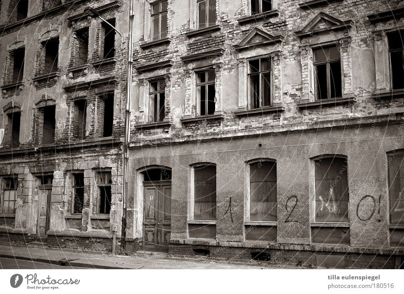 (n)ostalgia Black & white photo Exterior shot Structures and shapes Deserted Day House (Residential Structure) Leipzig Town Building Facade Window Door Stone