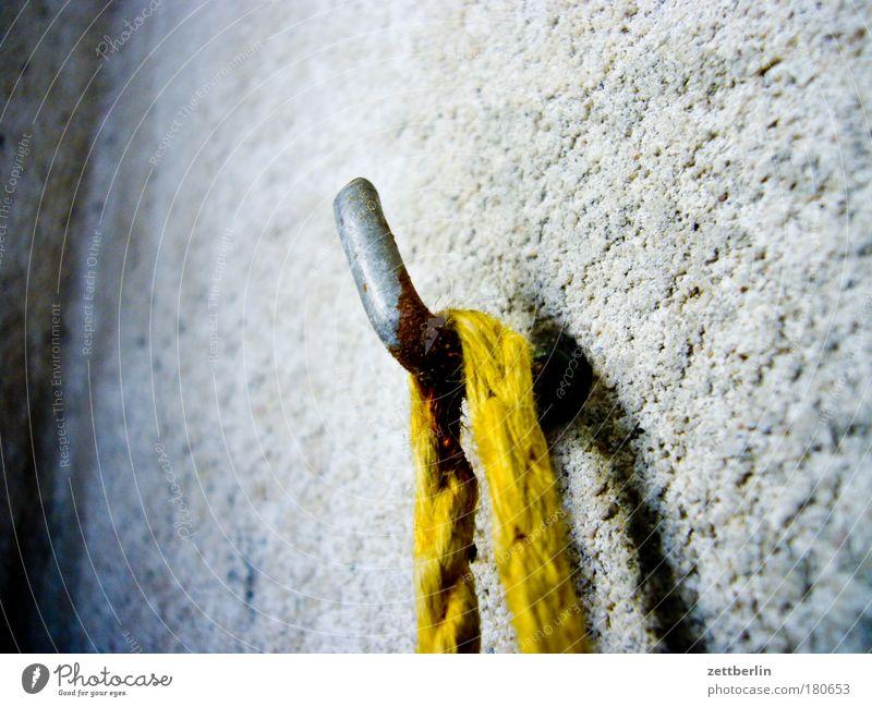 Wall (building) Gray Metal Flat (apartment) Concrete Rope Arrangement Metalware Living or residing String Balcony Rust Hang Plaster Iron Hang up