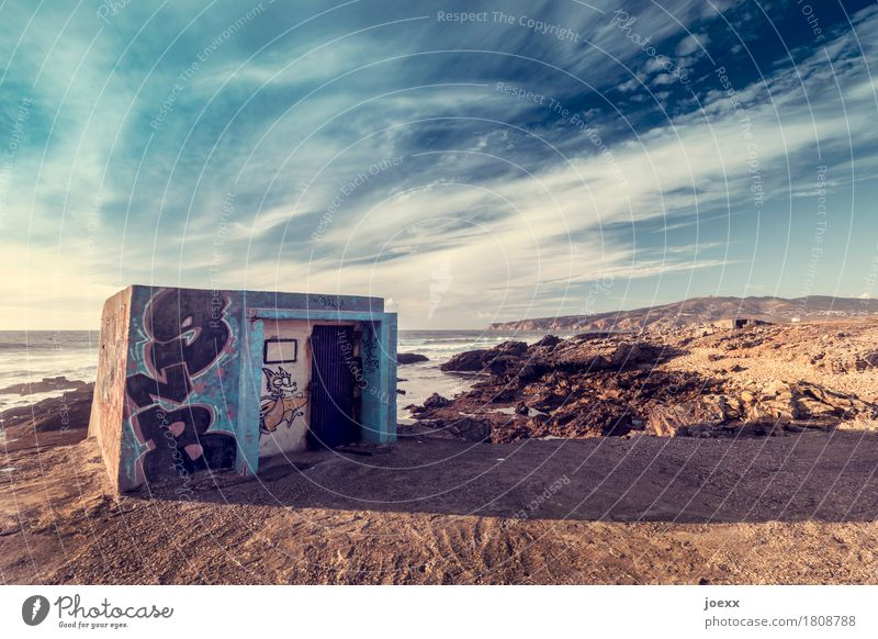 My house, my beach Landscape Sky Clouds Beautiful weather Coast Ocean Portugal Deserted Hut Wall (barrier) Wall (building) Old Hideous Blue Brown Graffiti