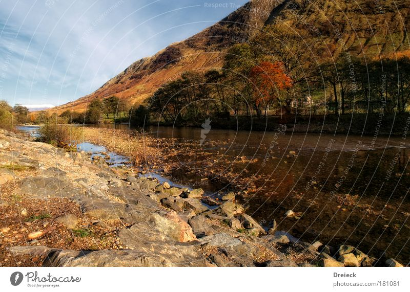 delayed scottish autumn Colour photo Exterior shot Deserted Day Light Shadow Contrast Reflection Deep depth of field Central perspective Long shot Wide angle