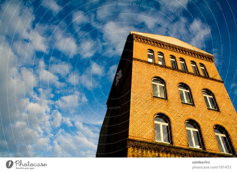 Sky Summer House (Residential Structure) Clouds Berlin Window Architecture Facade Might Brick Story Old building Office building Cirrus Monolith