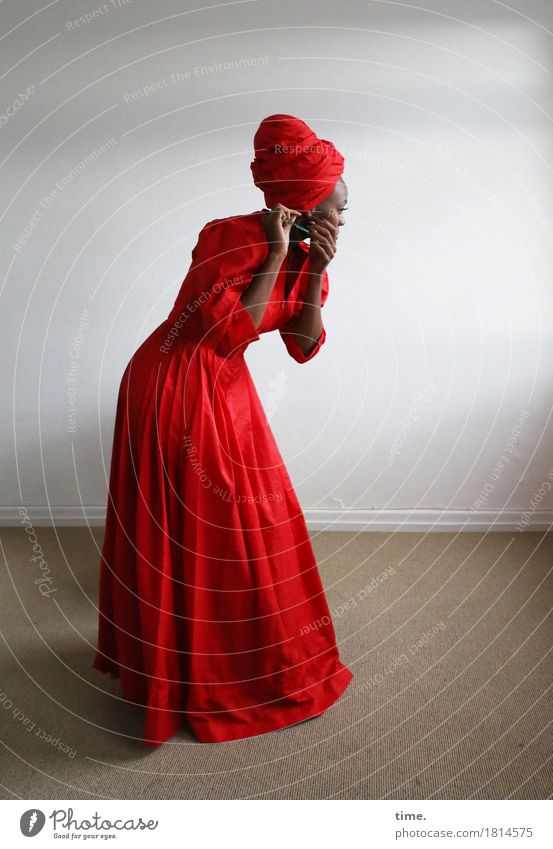 . Room Feminine Woman Adults 1 Human being Dress Jewellery Headscarf To hold on Stand Esthetic Beautiful Red Willpower Passion Watchfulness Patient Calm