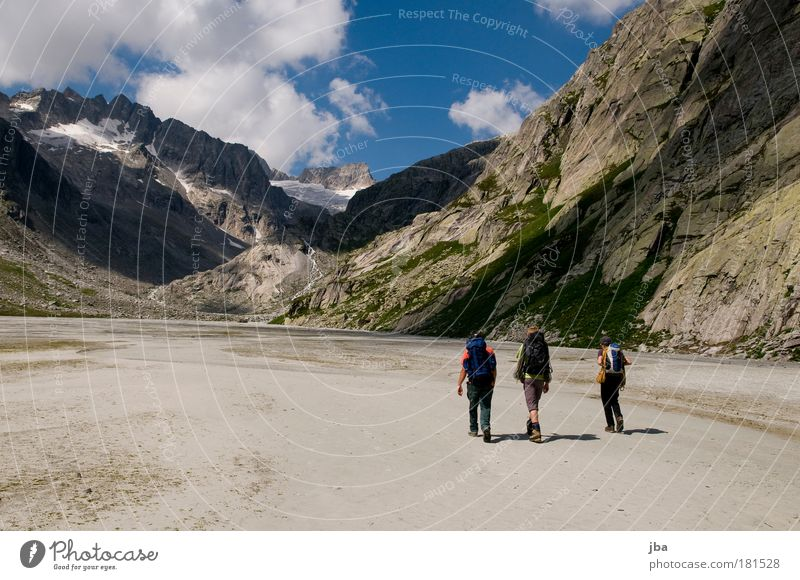 Human being Sky Nature Summer Adults Autumn Landscape Mountain Sand Group Leisure and hobbies Trip Hiking Masculine Adventure Elements