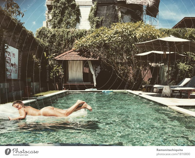 Human being Vacation & Travel Youth (Young adults) Naked Summer Sun Relaxation Calm 18 - 30 years Adults Feminine Swimming & Bathing Leisure and hobbies