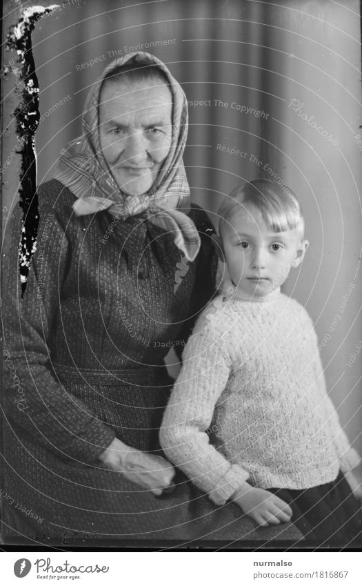Grandma & Grandchild Agriculture Forestry Human being Feminine Child Female senior Woman Grandparents Senior citizen Family & Relations Infancy 2 3 - 8 years