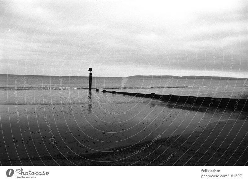 Sky Water White Ocean Beach Clouds Loneliness Black Far-off places Dark Landscape Wood Sand Coast Air Horizon