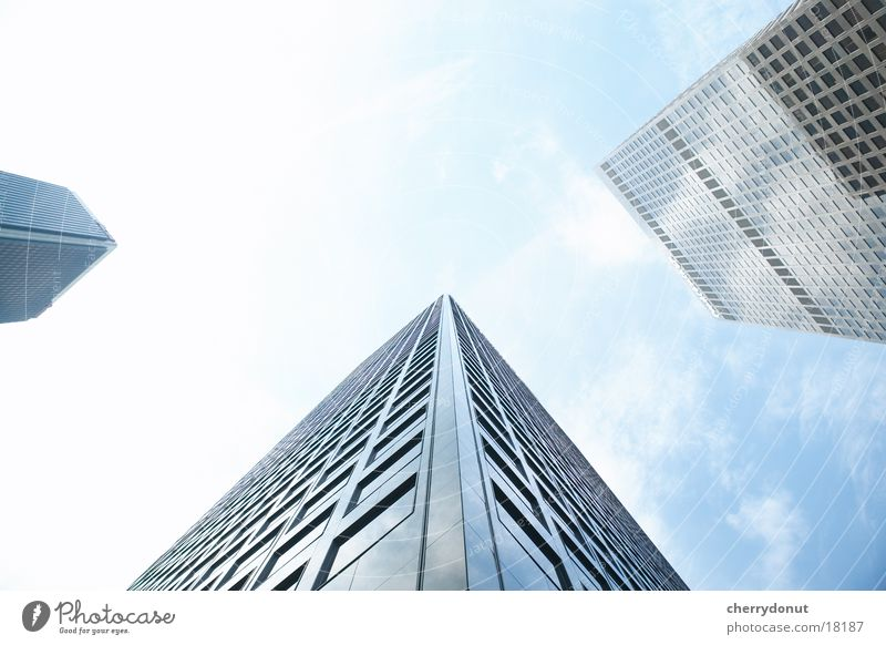 Sky House (Residential Structure) Architecture High-rise Tall Skyline Worm's-eye view