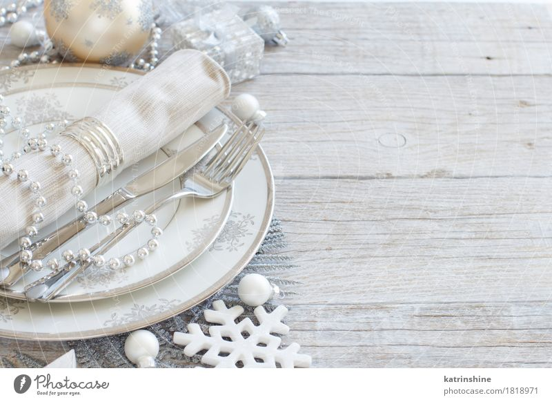 Silver and cream Christmas Table Setting Plate Cutlery Knives Fork Christmas & Advent New Year's Eve Tree Leaf Ornament Exceptional Gray bauble pastel Guest