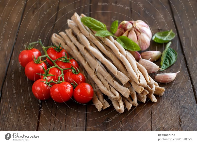 Whole wheat pasta, vegetables and herbs Green Red Healthy Brown Fresh Herbs and spices Vegetable Tradition Baked goods Meal Vegetarian diet Tomato Dough Raw