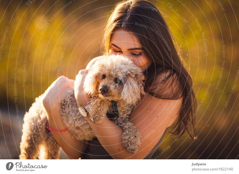 Plush family member Well-being Contentment Summer Human being Feminine Young woman Youth (Young adults) Woman Adults 13 - 18 years 18 - 30 years Environment