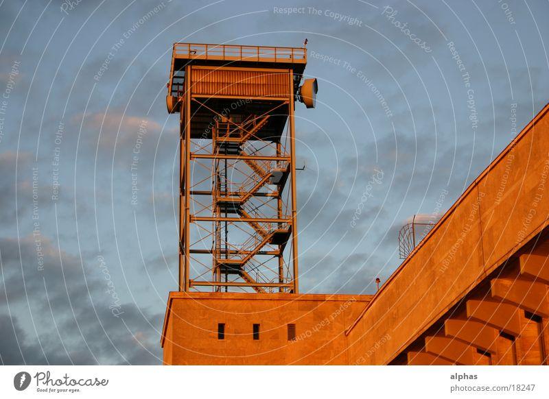Berlin Architecture Airport Radio technology Radar station Art deco