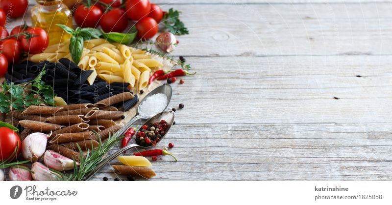 Penne pasta with vegetables, herbs and olive oil Green Red Leaf Dark Black Gray Brown Fresh Table Herbs and spices Vegetable Tradition Baked goods Bottle Meal