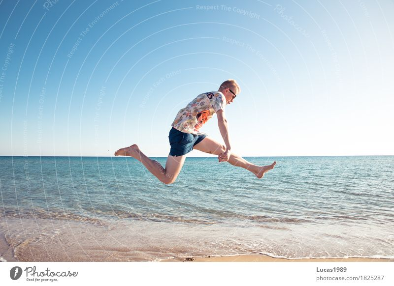 Party at the beach Joy Athletic Fitness Life Well-being Contentment Vacation & Travel Tourism Trip Adventure Far-off places Freedom Summer Summer vacation Sun