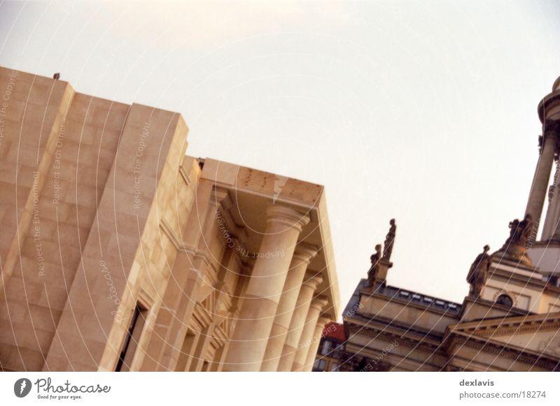 Berlin Architecture Crazy Pigeon Dome Set Sandstone Gendarmenmarkt