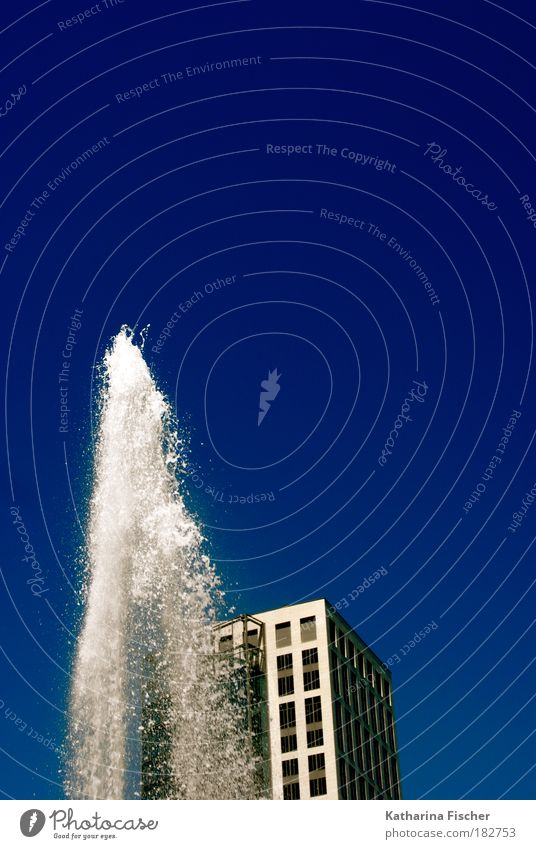 Summer in the city Environment Water Sky Cloudless sky Frankfurt House (Residential Structure) High-rise Blue Gray White Blue sky Water fountain Office building