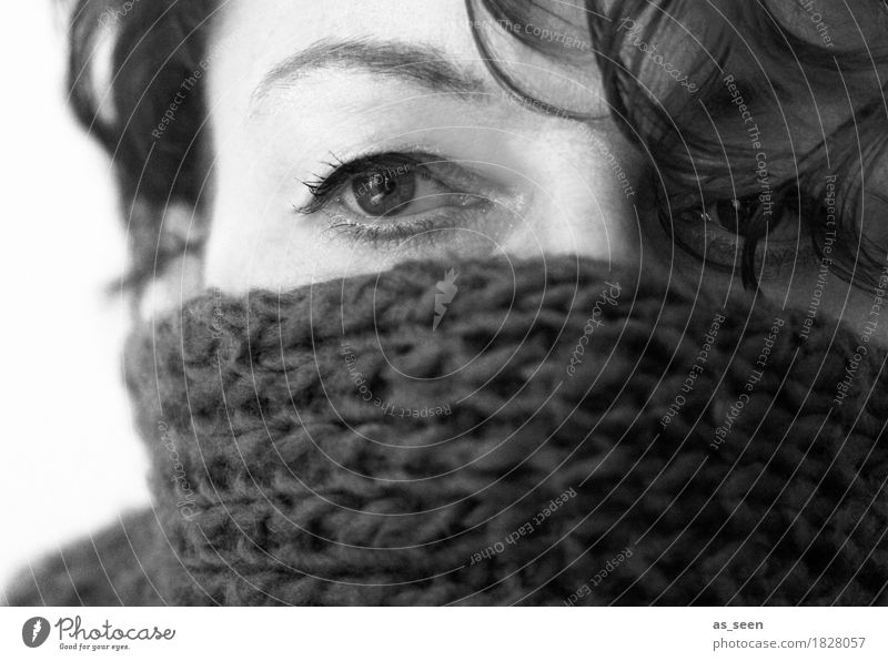 cold Living or residing Hallowe'en Woman Adults Face Eyes Eyebrow 1 Human being Autumn Winter Scarf Freeze Looking Cold Cuddly Soft Safety (feeling of) Fatigue