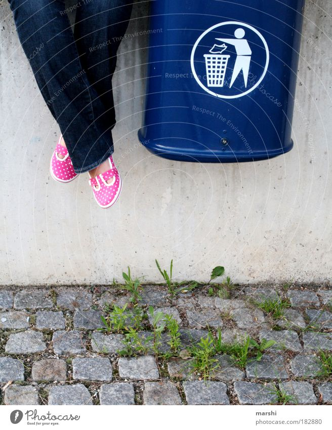 Blue Grass Wall (barrier) Feet Legs Pink Sit Trash Arrange Recycling Trash container Weed Gravel path Recycling container